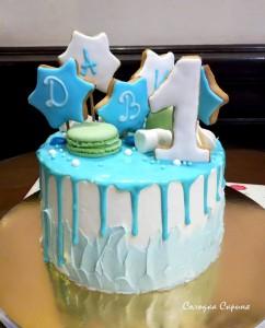 Торт з глазурованими пряниками
